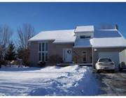 ORLEANS - Well maintained 3 bdrm custom built home